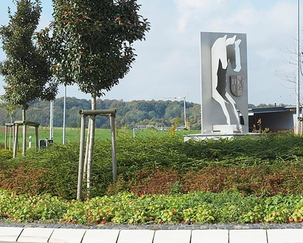Pferdeskulptur aus 10 mm Edelstahl gestrahlt